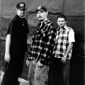 House Of Pain – Womb To The Tomb (1996) (256 kbps)